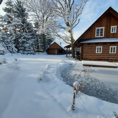Ubytování na Vysočině v roubence – zima 2021
